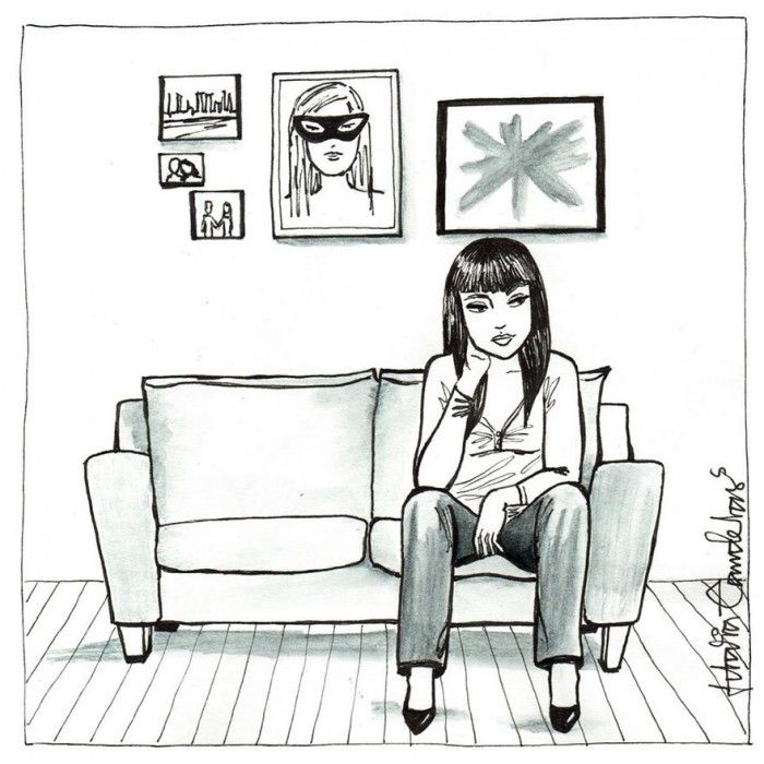 """Como si pudiéramos observarlas en la intimidad de sus casas desde una mirilla, la artista nos muestra mujeres que desayunan en ropa interior, que fuman relajadamente en la cama o se secan al salir de la ducha. """"Conviven en soledad pero no sufren, no están deprimidas. Se sienten seguras y disfrutan de su propia compañía""""."""