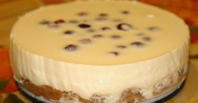 Такой десерт, как чизкейк, обожают многие, но вот готовить его часто не хватает времени и усердия. Потому мы предлагаем вам облегченный вариант. Американский чизкейк запекают, английский, холодный чизкейк, нет. Выбираем последний. Вам не нужно будет долго дежурить у духовки, а это уже здорово ободряет. Для приготовления чизкейка нам понадобится сливочный сыр, но так как это …
