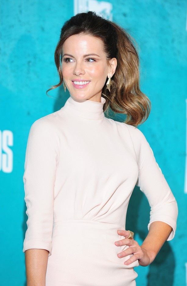 """Kathrin Romary """"Kate"""" Beckinsale (born 26 July 1973) is an English actress. After some minor television roles, she made her film debut in Much Ado About Nothing (1993) while still a student at Oxford University. She then appeared in British costume dramas such as Prince of Jutland (1994), Cold Comfort Farm (1995), Emma (1996) and The Golden Bowl (2000), in addition to various stage and radio productions."""