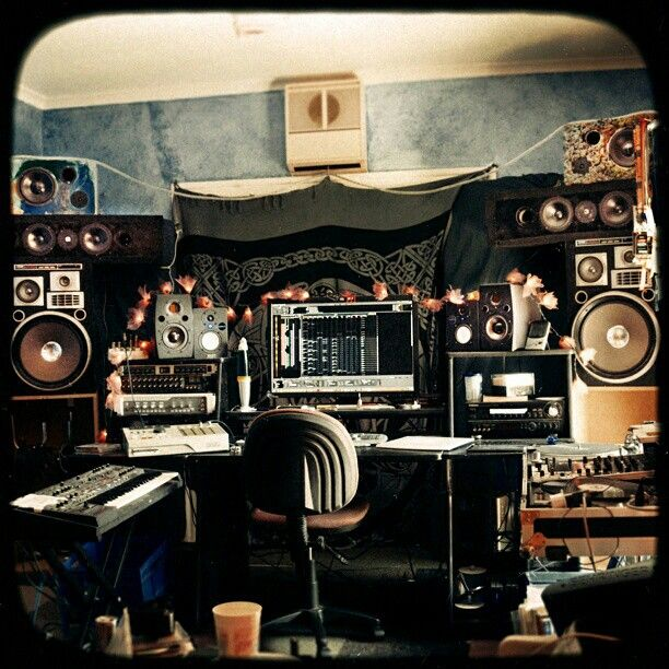 Got speakers? Really want to be doing mix downs right now but too much other work to get done before this weekend.