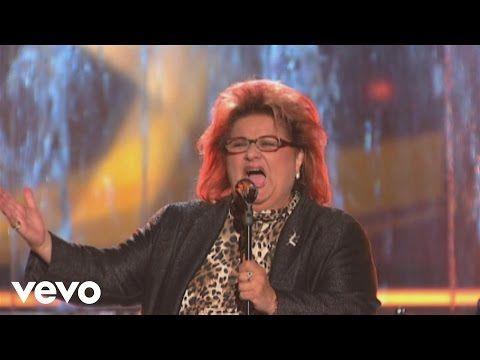 Joy Fleming - Ein Lied kann eine Bruecke sein (Willkommen bei Carmen Nebel 29.09.2012) - YouTube