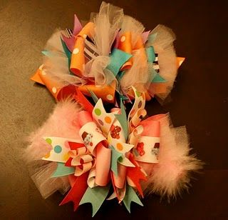 How to make funky loopy hair bows