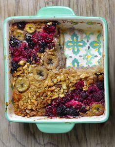 Frühstücksauflauf mit Haferflocken - Baked Oatmeal Vollwertig und unverschämt lecker!
