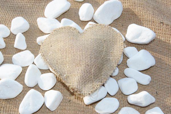jute heart stuffed 13x13cm. www.fstore.eu