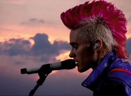 Jared Leto, proving that pink can totally be manly (or at least sexy on a guy, slight difference there)