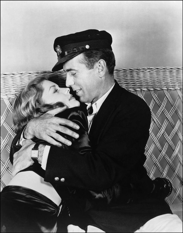 Humphrey Bogart and Lauren Bacall......WHAT A GREAT HOLLYWOOD PICTURE.