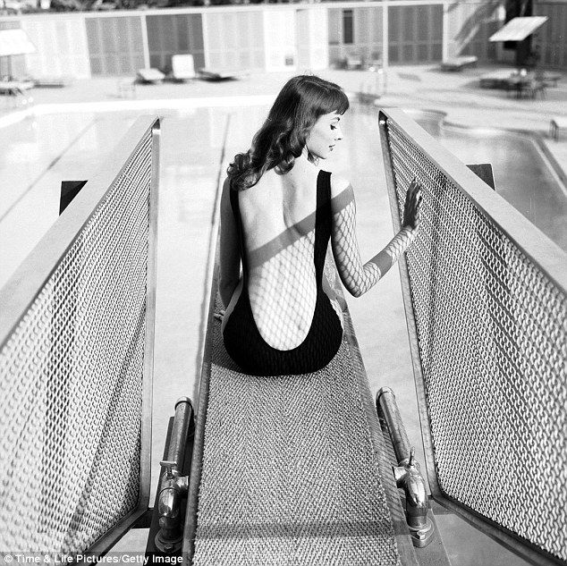 "Vikki ""The Back"" Dougan, 1956. Her style inspired the cartoon femme fatale, Jessica Rabbit . - Imgur"