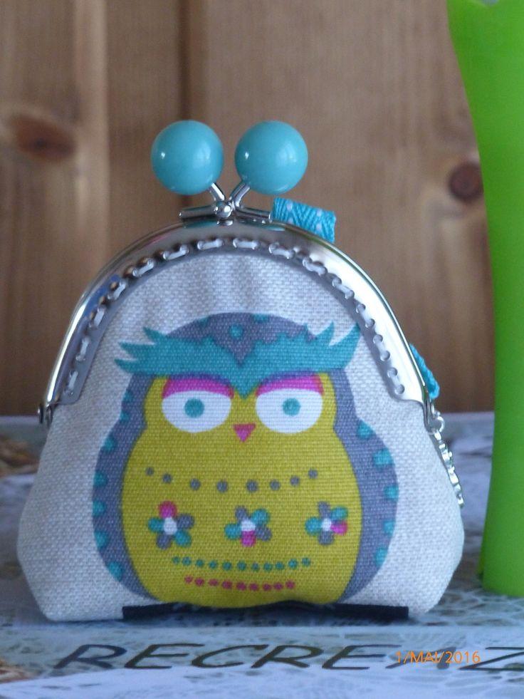 porte monnaie avec fermoir argenté et boules turquoises, tissu chouettes : Porte-monnaie, portefeuilles par recreazouzou