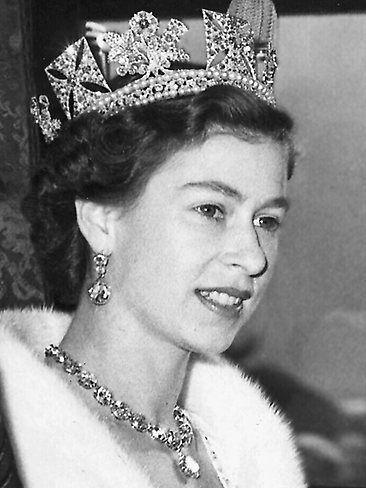 The Queen   Queen Elizabeth II at her coronation in 1953 wearing many diamonds