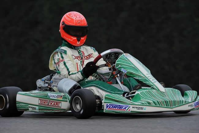 Michael Schumacher vuelve a las pistas en Karting