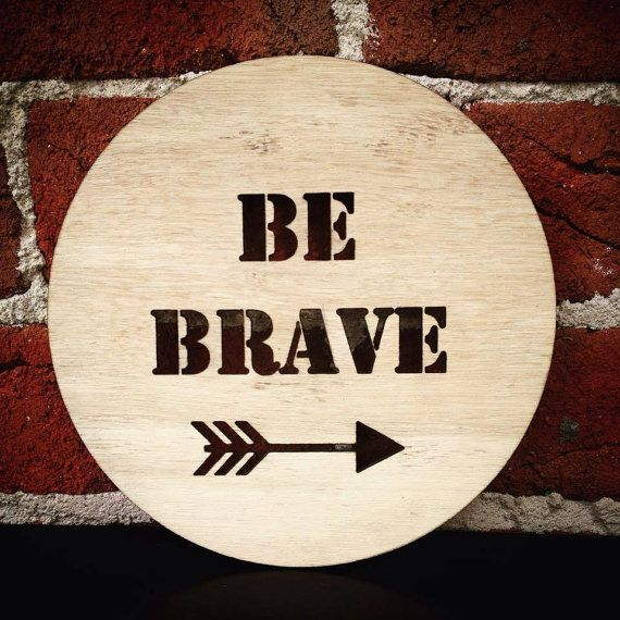 The BE BRAVE plaque with arrow, timber plaque from Katrina Louise Designs is perfect to decorate a baby girls room or nursery.