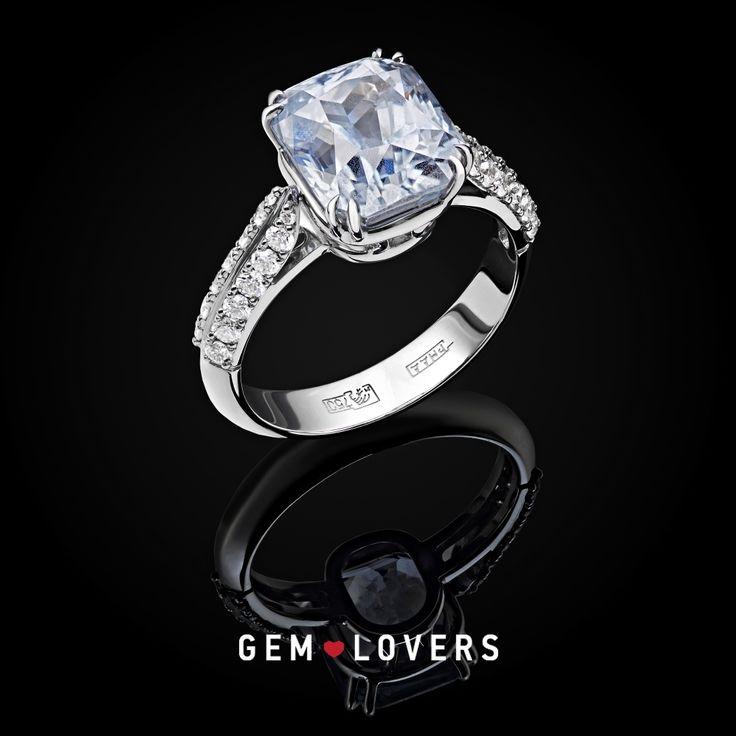 Эксклюзивное кольцо с голубым сапфиром от Gem Lovers Light blue sapphire #engagement #ring with diamonds by Gem Lovers