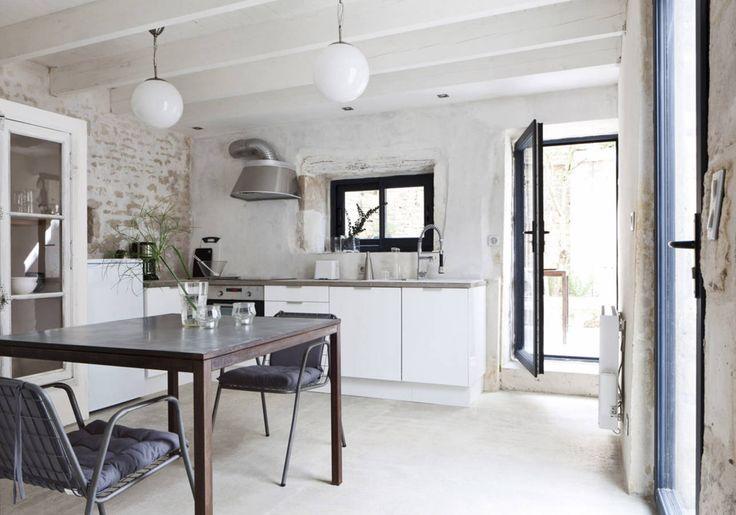 17 meilleures id es propos de cuisine campagnarde sur pinterest cuisines blanches rustiques. Black Bedroom Furniture Sets. Home Design Ideas
