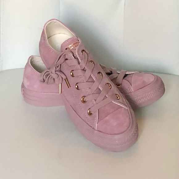 NEW CONVERSE SHOES Blush Pink Suede