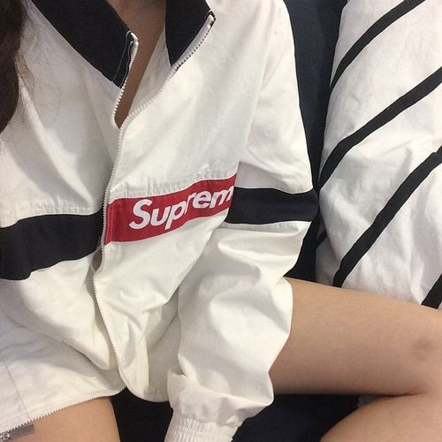SUPREME WINDBREAKER