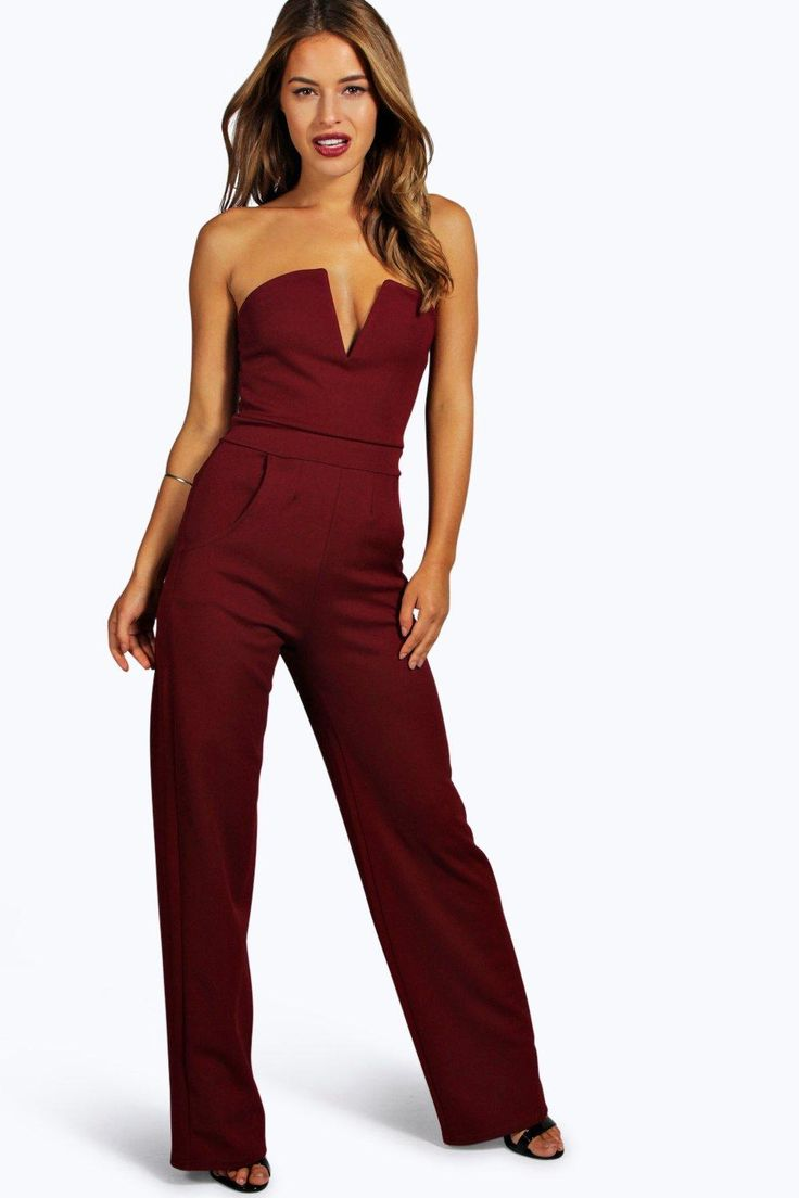 Petite Stacie V Bar Straight Leg Jumpsuit will be perfect for a girls night out or date night!