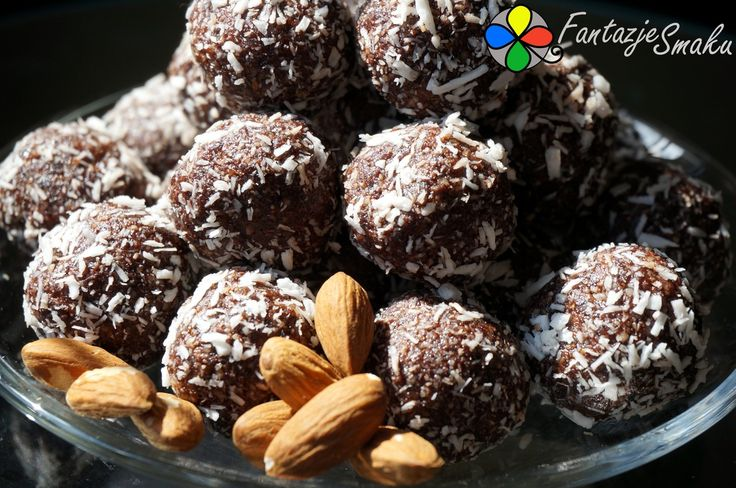 Kuleczki czekoladowe z migdałów i daktyli http://fantazjesmaku.weebly.com/kuleczki-czekoladowe-z-migda322oacutew-i-daktyli.html