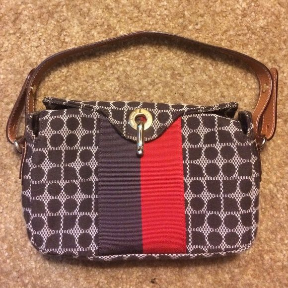 Kate spade purse for sale. Cute small purse for sale. Purse is on mint condition. Only been used twice. kate spade Bags Mini Bags