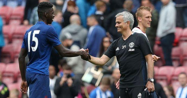 Mourinho Tak Keberatan Lepas Bek Man United -  http://bit.ly/2reM9g4
