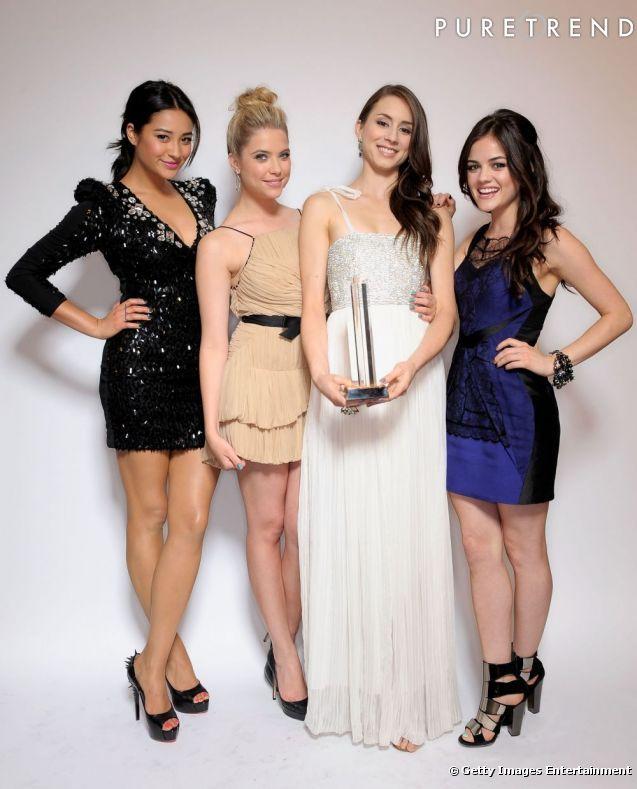 Toute léquipe de Pretty Little Liars : Shay Mitchell, Ashley Benson, Troian Bellisario et Lucy Hale.