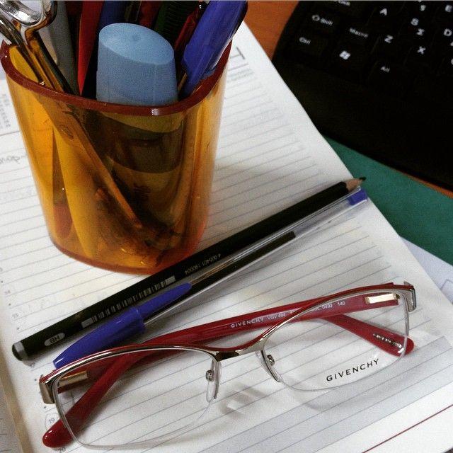 Reading days  #glasses #frames #eyewear #opticametaxas #athens #style #givenchy #exetastiki #books #office #sunglasses #γυαλιά