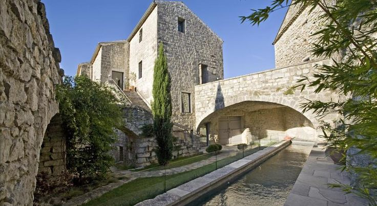 Chateau De Balazuc- Chambres D'hotes - Bed and Breakfast Europe