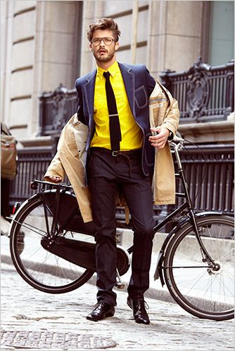 Love the Dutch bike, love the style #cycling