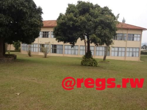 A commercial building for rent in Kigali – Gisozi Location: District of Gasabo, Gisozi The plot to be used is more than 3000 square metres. The building is partitioned into more than 10 room...