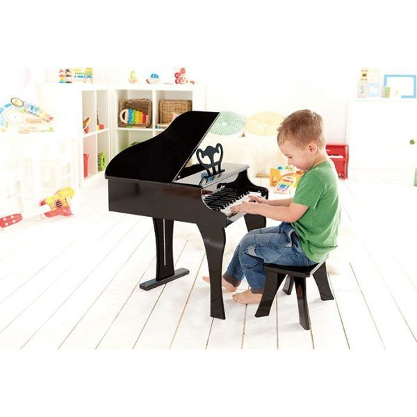 Budding concert pianists will easily scale the 30 keys of this colorful wood grand piano, made for small hands and big sounds.