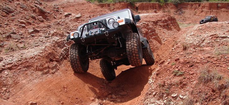 A New or Used Jeep for Off-Roading? Pros and Cons for Both
