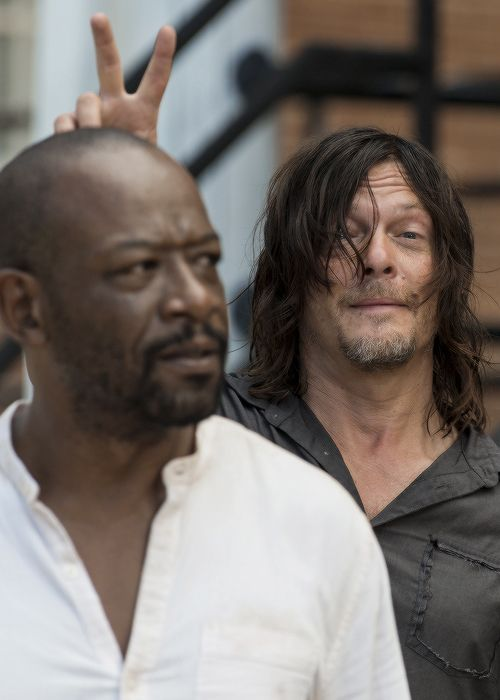 """ Norman Reedus and Lennie James behind the scenes of The Walking Dead Season 7 Episode 10 