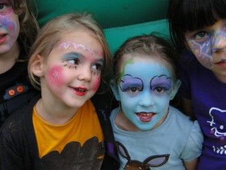Kinderfeestje zomer (Klik op de kleine foto's om te Vergroten) Ostend, Belgium  Specializing in creative face-painting entertainment for children and adults.  We are available for a variety of occasions and events,