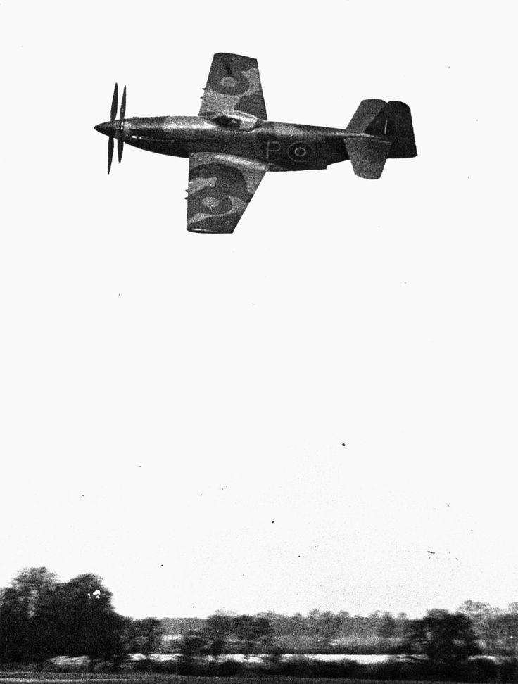 Martin Baker MB5, inflight