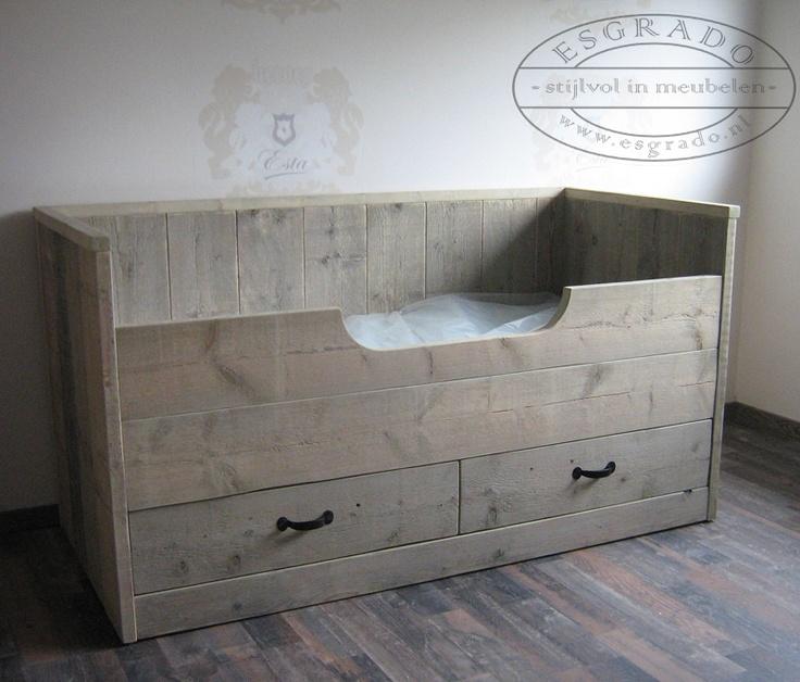 bed van steigerhout met lade