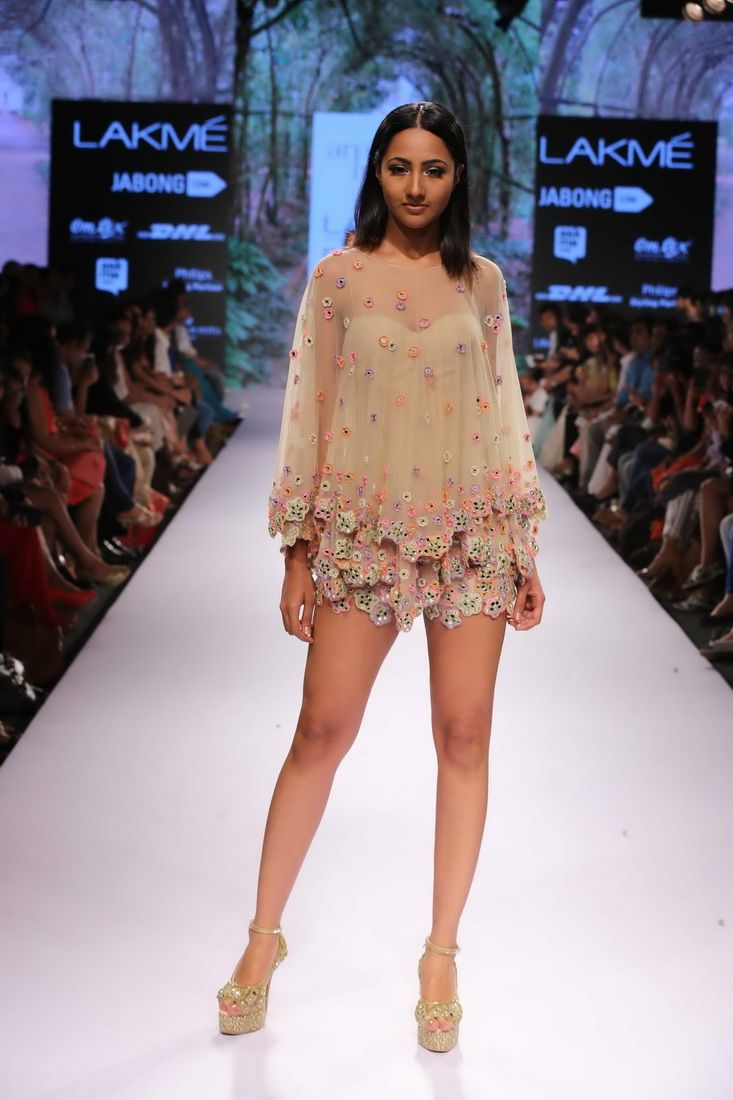 Lakmé Fashion Week – ARPITA MEHTA AT LFW SR 2015