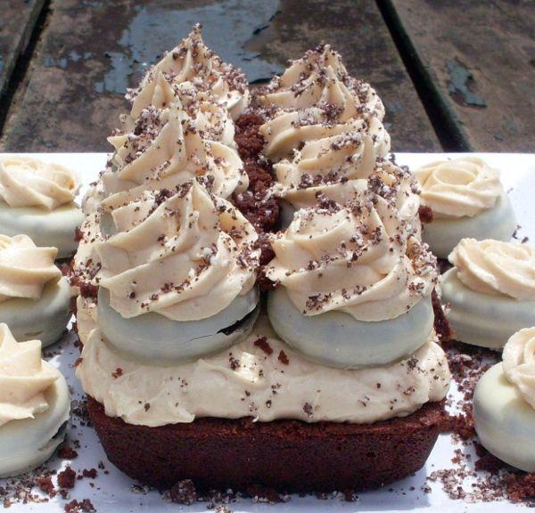 Hola a todos!   Whole Kitchen  en su propuesta dulce para el mes de Julio nos invita a preparar un postre clásico británico: trifle.  Un tri...