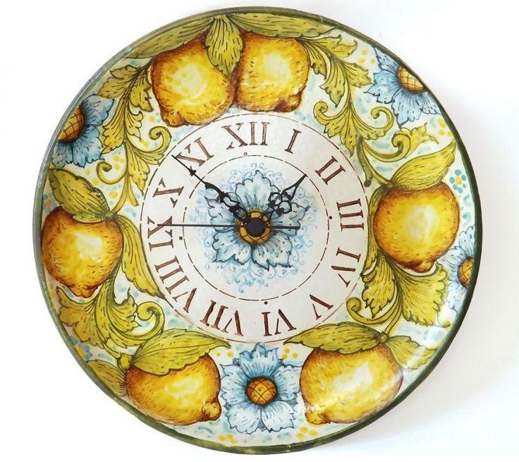 Plate clock – Lemons Wall clock, made entirely by hand, from ceramic plate to floral design in craquelè glaze. #artigianato #clock #orologio #plate #piatto #ceramiche #madeinitaly