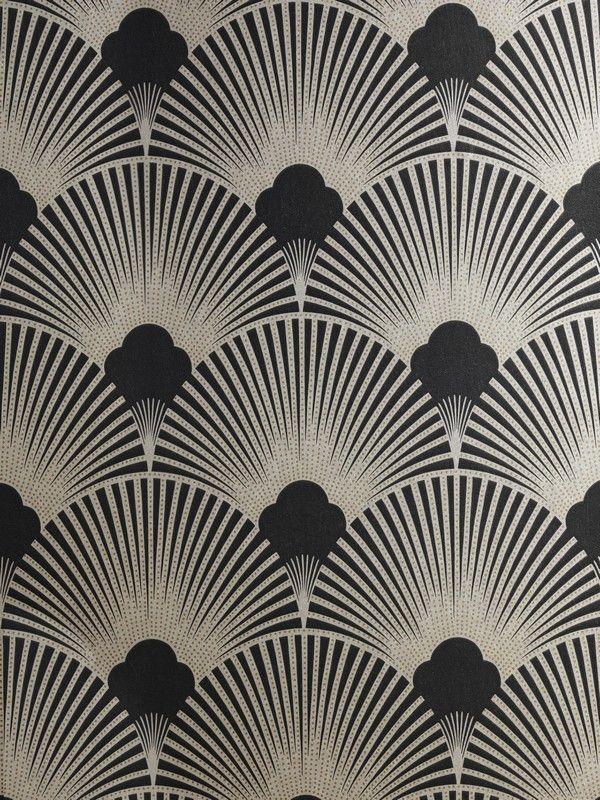 Carta da parati in stile Art Deco, nero e argento. Art Deco Metallic Wallpaper Pattern, black and silver. #vemnero #vemargento