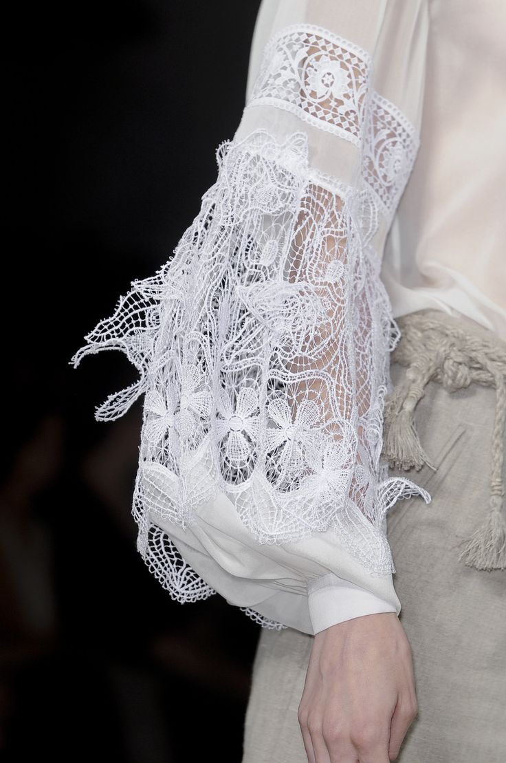 White blouse with bishop sleeves & lace inserts; fashion details // Alberta Ferretti
