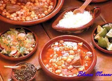 pozole , originalmente cargada por bmoreno2000mx . ingredientes: 1 kilo de maíz pozolero patas de puerco, al gusto ½ kilo de espinazo de p...