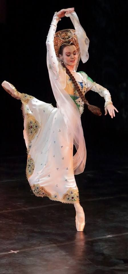 """<<Ulyana Lopatkina (Mariinsky Ballet) # """"Russian Dance"""", Charity Gala Concert of Opera and Ballet Stars. Concert in support of children and adults with mental disabilities. Alexandrinsky Theatre (June 3, 2016)>>"""