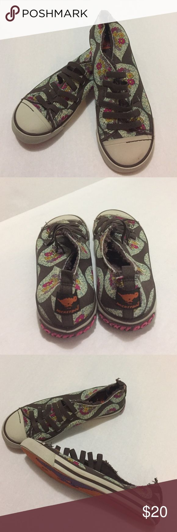 Rocket Dog Floral Sneaker Rocket Dog Floral Sneaker - elastic lace - never worn like new Rocket Dog Shoes Sneakers