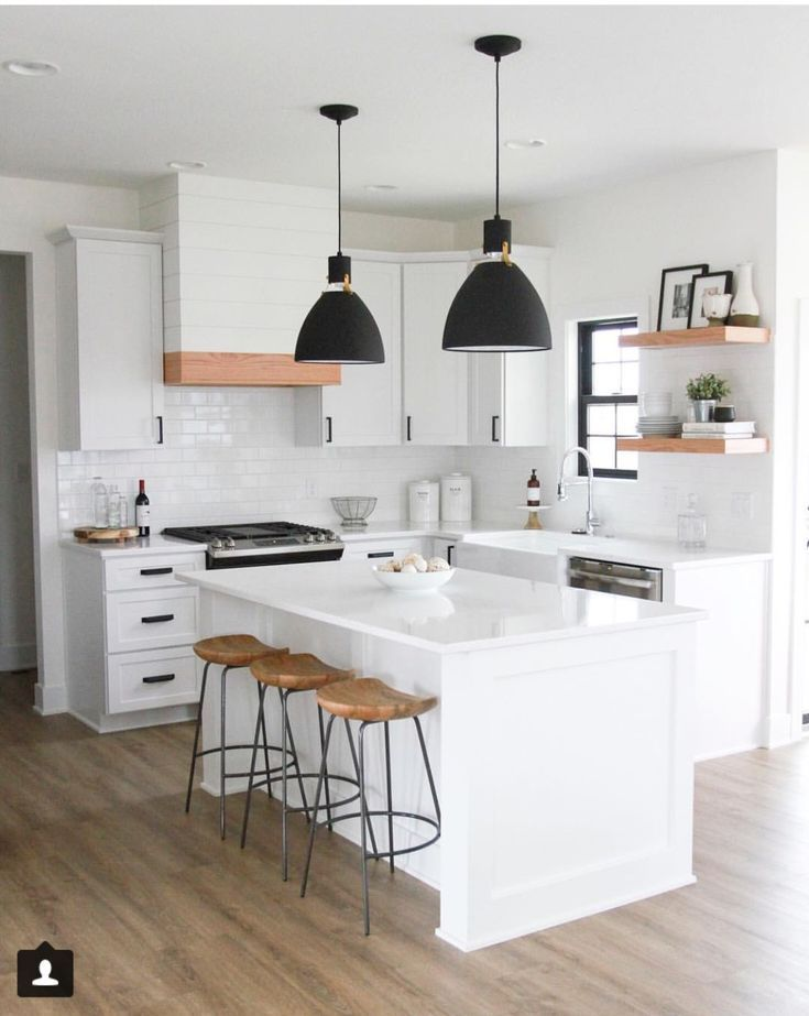 Pinterest Tessmeyer5 Small Kitchen W Island Kitchen Design Kitchen Design Small White Kitchen Design