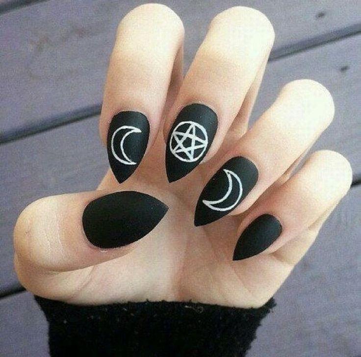 Witchy matt black nails | nailart design