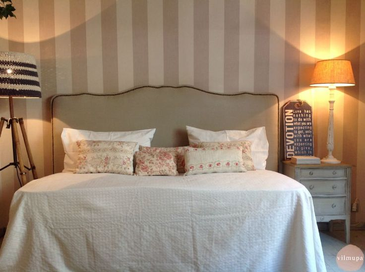 Las 25 mejores ideas sobre cabecero con tachuelas en pinterest dormitorio de transici n y - Cabeceros tapizados con tachuelas ...