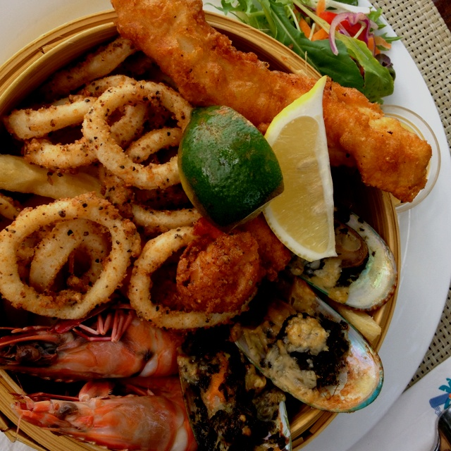 Seafood basket at Montes, Hydeaway Bay near the Whitsundays - scallops were amazing!