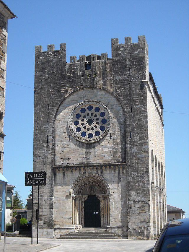 Lugo Portomarin iglesia