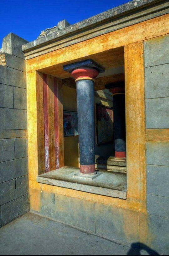 Knossos, Crete-Greece. Palace of king Minos. http://abnb.me/e/1Bw4yfnlSC http://tracking.publicidees.com/clic.php?progid=2185&partid=48172&dpl=http%3A%2F%2Fwww.partirpascher.com%2Fvoyage%2Fvacances%2Fsejour-crete-pas-cher%2C%2C54%2C%2F