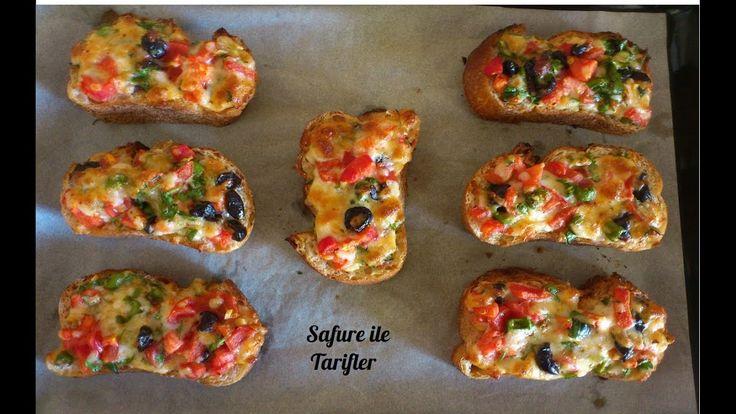 Kahvaltılık Ekmek Üstü Pizza Tarifi - Fırında Kahvaltılık Ekmek Dilimleri -Kahvaltılık Tarifler - YouTube
