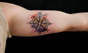 Resultado de imagen para la rosa delos vientos tattoo